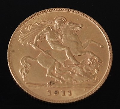 Lot 2050 - Great Britain, 1911 gold half sovereign,...