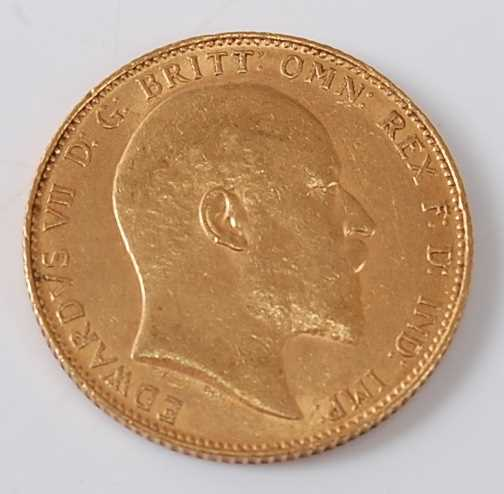 Lot 2008 - Great Britain, 1907 gold full sovereign,...