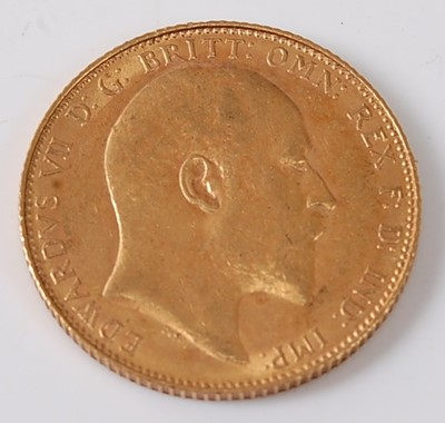 Lot 2009 - Great Britain, 1908 gold full sovereign,...