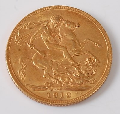 Lot 2013 - Great Britain, 1912 gold full sovereign,...