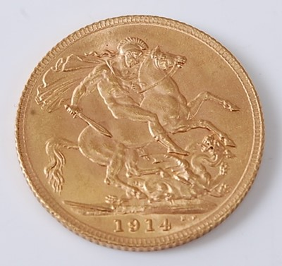 Lot 2015 - Great Britain, 1914 gold full sovereign,...