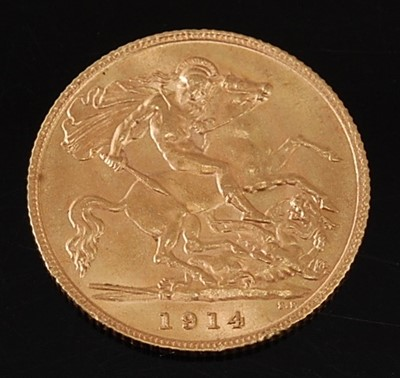Lot 2016 - Great Britain, 1914 gold half sovereign,...