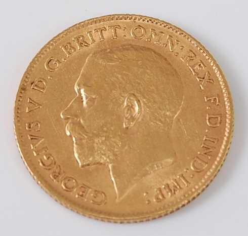 Lot 2024 - Great Britain, 1912 gold half sovereign,...