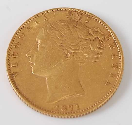 Lot 2027 - Great Britain, 1871 gold full sovereign,...