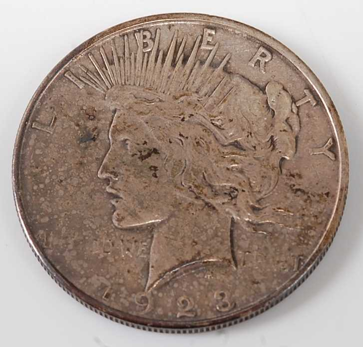 Lot 2087 - U.S.A., 1923 Peace dollar, obv; Liberty head...