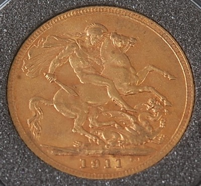 Lot 2030 - Great Britain, 1911 gold full sovereign,...