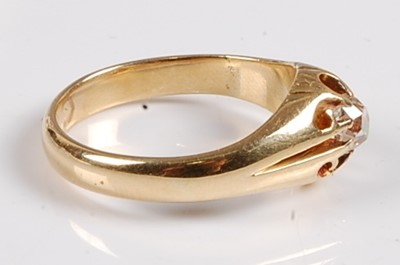 Lot 2560 - A yellow metal diamond single stone ring,...