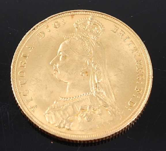Lot 2035 - Great Britain, 1887 gold full sovereign,...