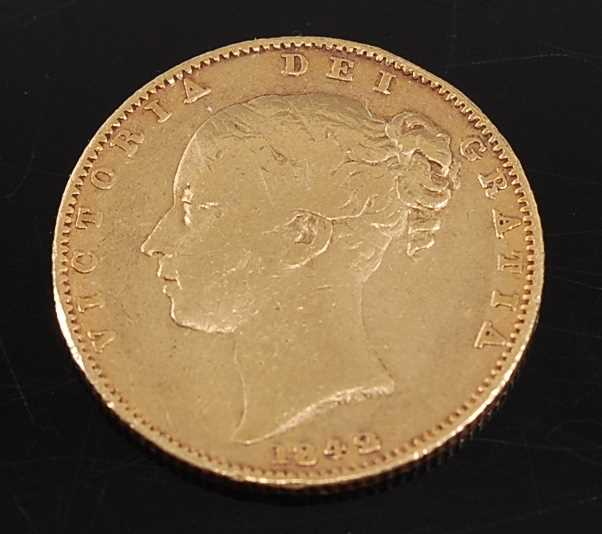 Lot 2038 - Great Britain, 1842 gold full sovereign,...
