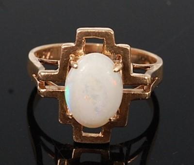 Lot 2625 - A yellow metal opal dress ring, featuring an...