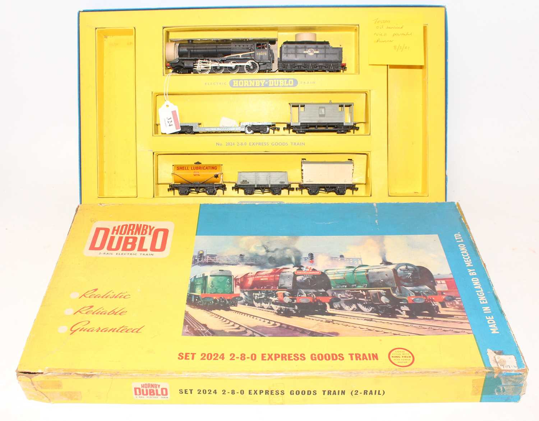 Lot 324 - Hornby Dublo 2024 2-rail 2-8-0 Express Goods...