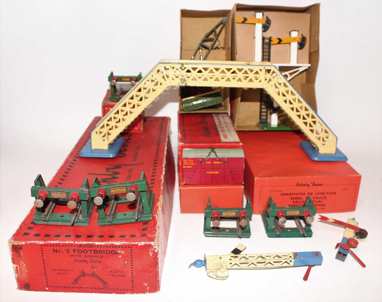 Lot 220 - Tray of Hornby Accessories including 1929-33...