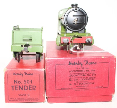 Lot 229 - Hornby 1948-54 Clockwork No.501 loco and...