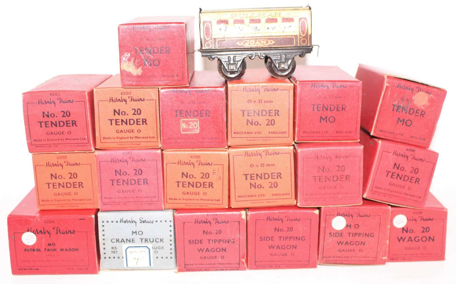 Lot 231 - Tray containing new and un-used Hornby items...