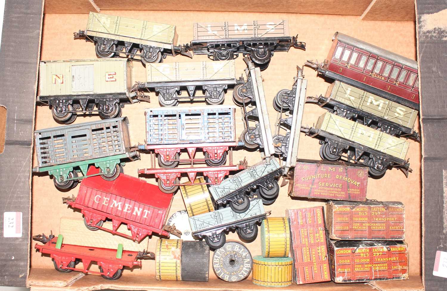 Lot 232 - Tray containing 15 Hornby Wagons to include No....