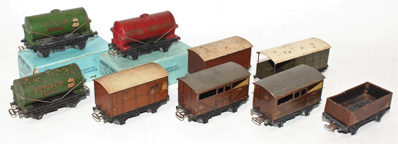 Lot 343 - Nine Pre-WAR Hornby Dublo goods wagons (All P)...