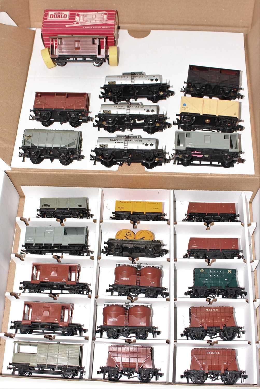 Lot 345 - 24 Hornby Dublo plastic goods wagons,...