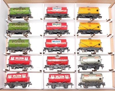 Lot 349 - 15 Hornby Dublo tank wagons, 3 each of Power,...