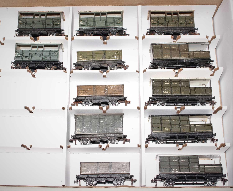 Lot 353 - 13 Post War Hornby Dublo Goods Wagons, 4x 4...