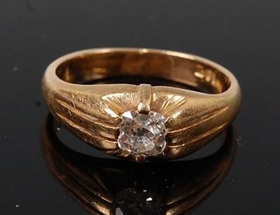 Lot 2585 - A yellow metal early 20th century diamond...