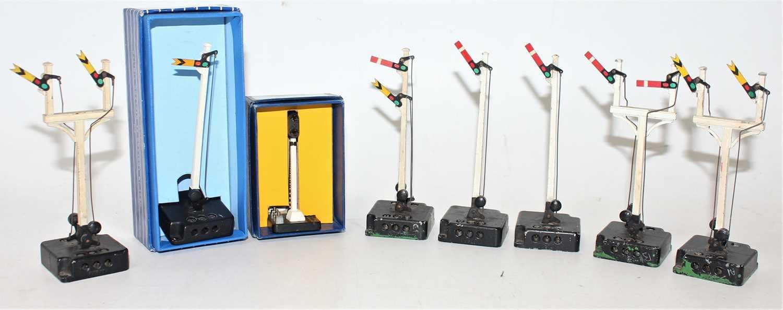 Lot 364 - Hornby Dublo Electric Semaphore Signals, 1x...