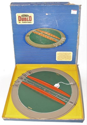 Lot 357 - Hornby Dublo D1 Turntable, very clean (VG-BF)