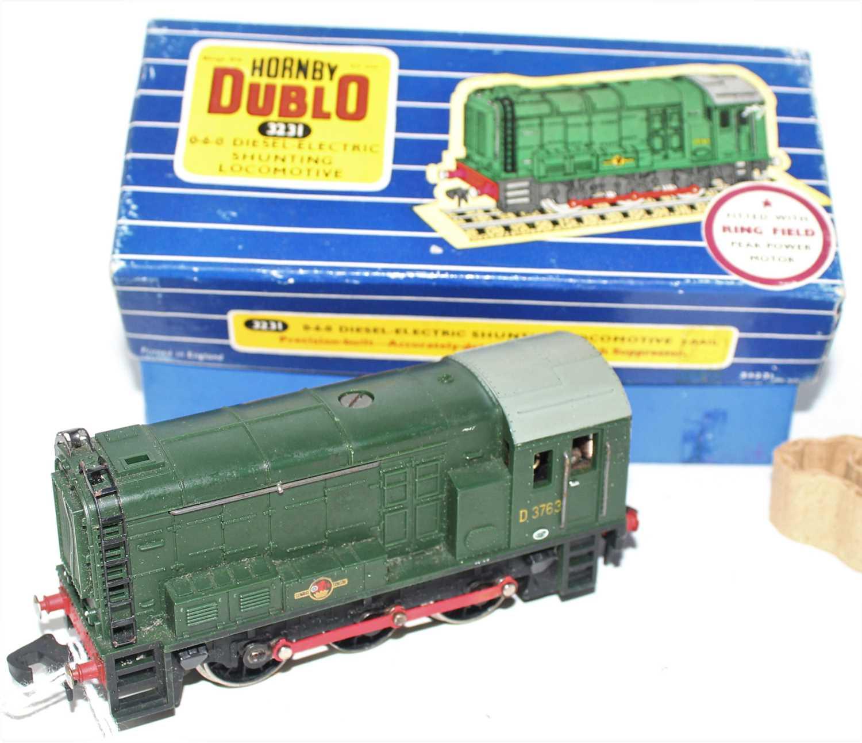 Lot 388 - 3231 Hornby Dublo 0-6-0 Diesel Shunter, 3 rail,...