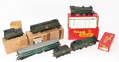 Lot 369 - Four Triang Locos, all except D5572 have some...