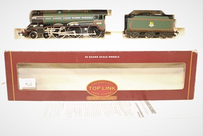 Lot 376 - Hornby Top Link Loco and Tender R2038C B17/4...