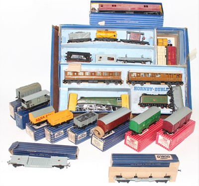 Lot 387 - Hornby Dublo Mixed Group, including heavily...