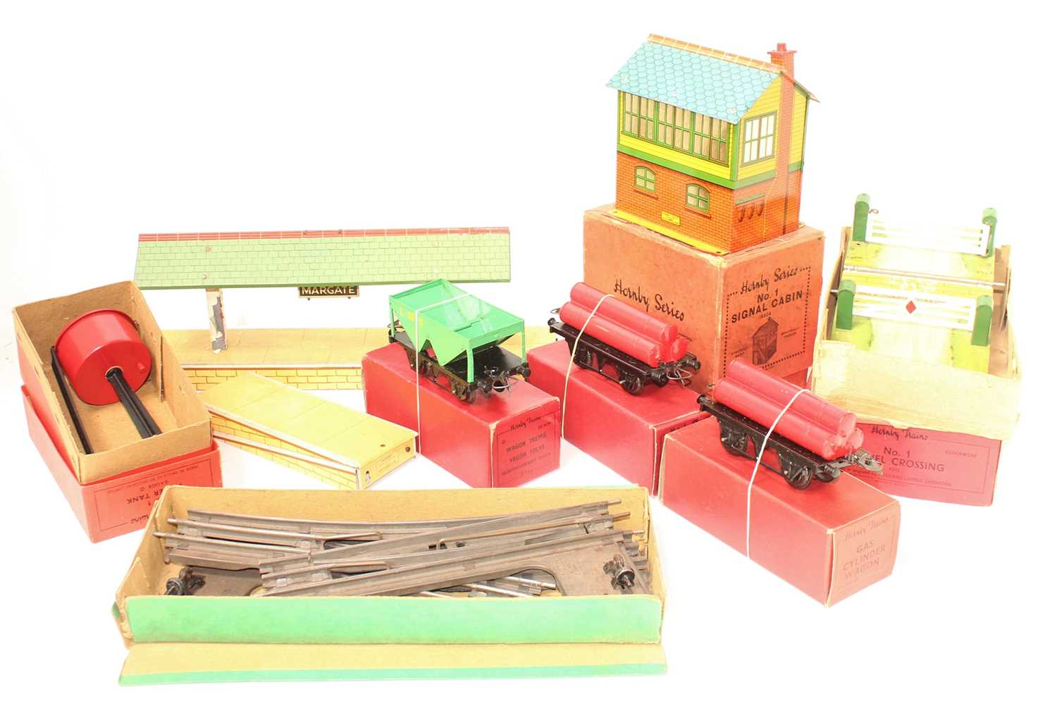 Lot 244 - Large tray of Hornby Items, to include 1x L/H...