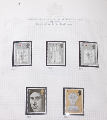 Lot 96 - Great Britain, a large collection of mint...