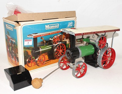 Lot 4 - A Mamod TE1A traction engine of usual...