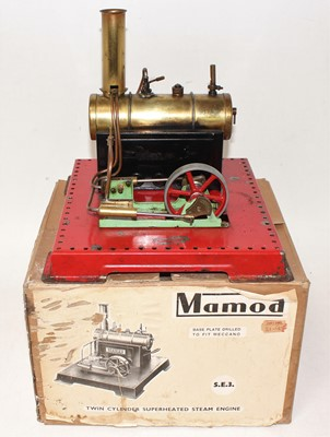Lot 5 - Mamod SE3 twin cylinder superheated steam...