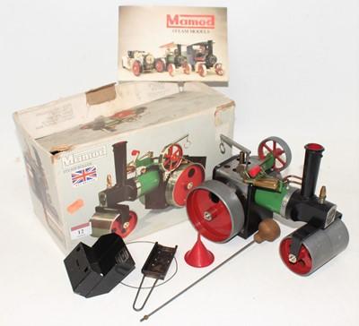 Lot 12 - A Mamod SR1 steam roller engine, with burner,...