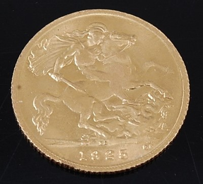 Lot 2042 - Great Britain, 1925 gold half sovereign,...