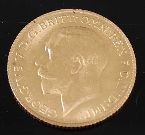 Lot 2043 - Great Britain, 1925 gold half sovereign,...