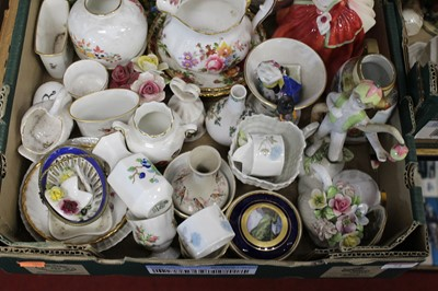 Lot 71 - A box of miscellaneous items, to include a...
