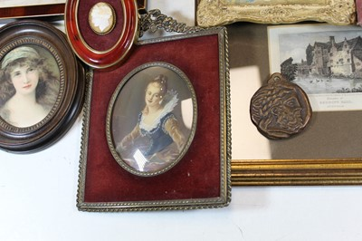 Lot 78 - A box of miscellaneous items, to include...