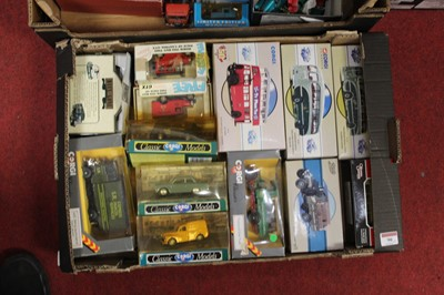 Lot 90 - A box of modern issue diecast toy vehicles, to...
