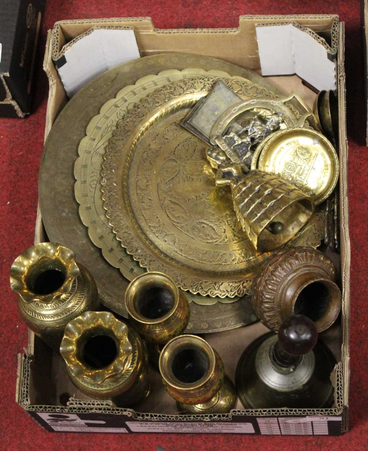 Lot 91 - A box of miscellaneous brassware, to include...