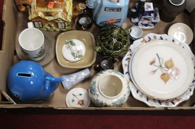Lot 92 - A box of miscellaneous items, to include...