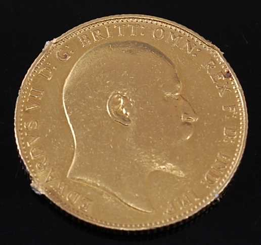 Lot 2052 - Great Britain, 1907 gold full sovereign,...