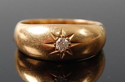 Lot 2610 - An 18ct yellow gold diamond single stone ring,...