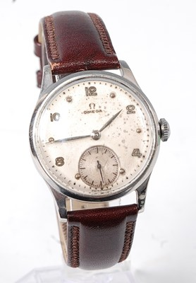 Lot 2643 - A vintage gent's Omega steel cased wristwatch,...