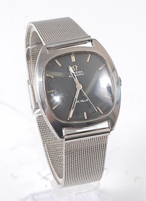 Lot 2645 - A gent's Omega DeVille automatic steel cased...