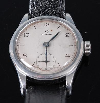 Lot 2647 - A vintage gent's Omega steel cased wristwatch,...