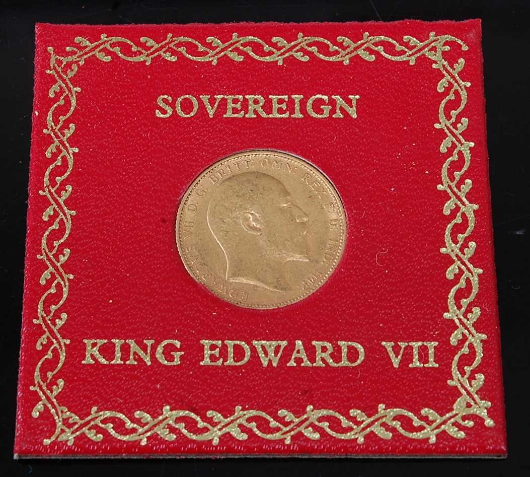 Lot 2053 - Great Britain, 1905 gold full sovereign,...