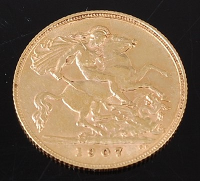 Lot 2055 - Great Britain, 1907 gold half sovereign,...