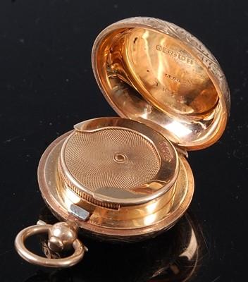 Lot 2056 - A George V 9 carat gold sovereign case, having...